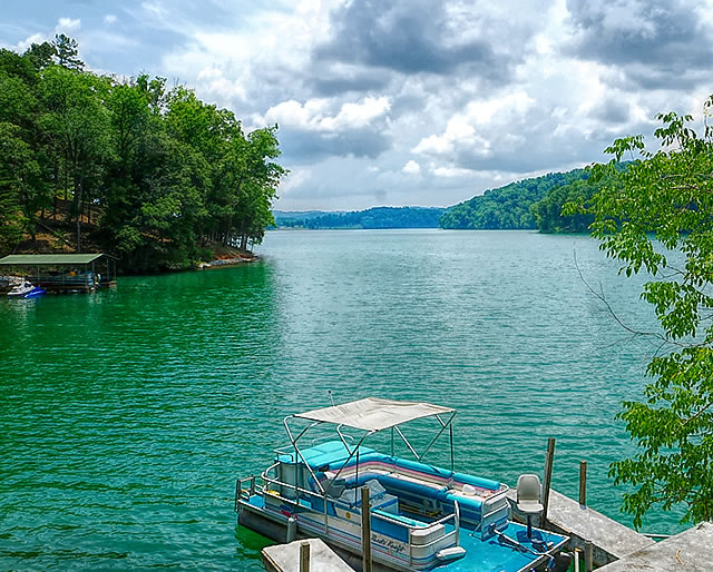 Rainbow Resort Boat Dock on Norris Lake